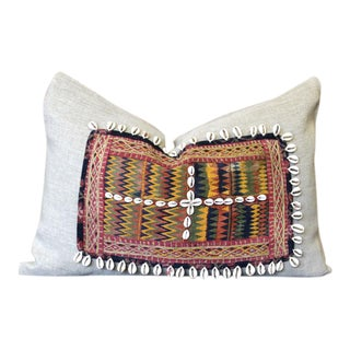 Aadavan Jumlo Shell Embellished Pillow For Sale
