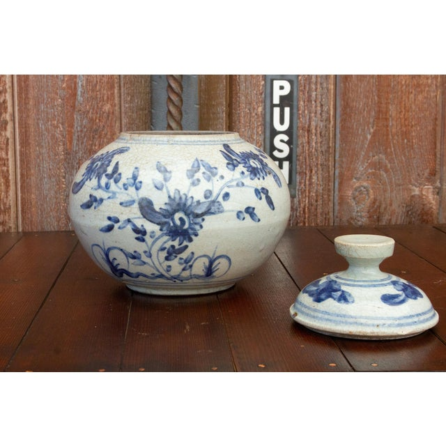 Fascinating Early 20th Century Blue and White Jar For Sale In Los Angeles - Image 6 of 12