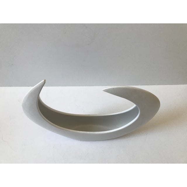 White Crescent Shaped Vessel - Image 2 of 8