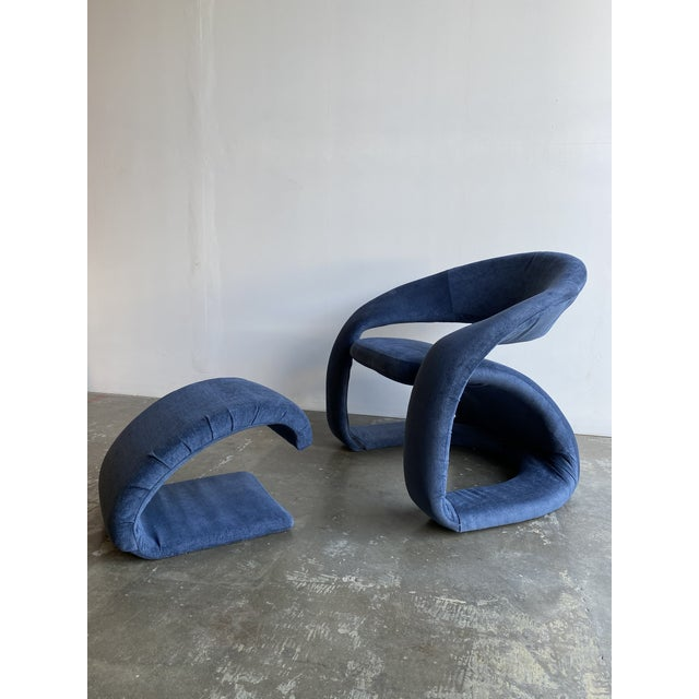 1980s Vintage Memphis Sculptural Cantilever Chairs and Ottoman For Sale - Image 4 of 13
