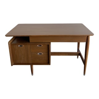 Desk by Hooker for Mainline For Sale
