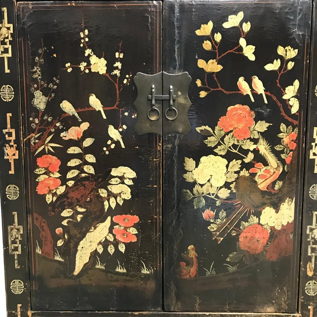 Mid 19th Century Pair of 19th Century Chinese Painted Cabinets For Sale - Image 5 of 11