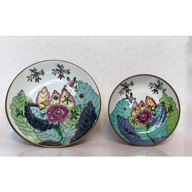 Ceramic Chinoiserie Encased Tobacco Leaf Style Porcelain Bowls - a Pair For Sale - Image 7 of 7