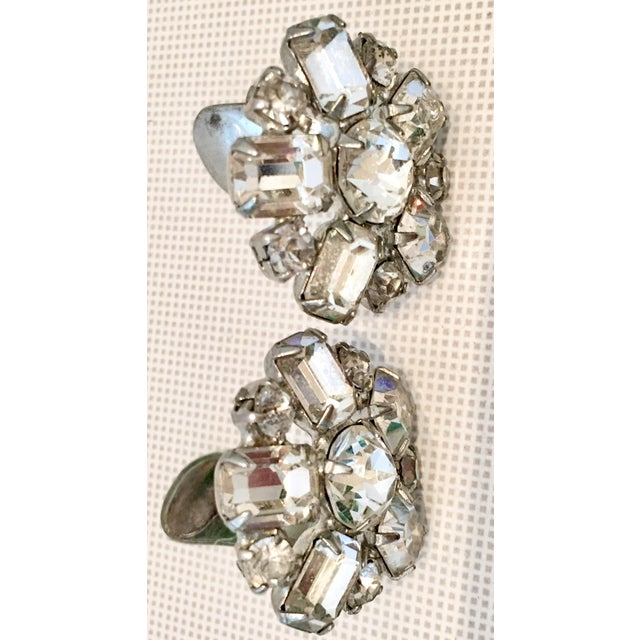 Mid 20th Century 1950s Silver & Austrian Crystal Clear Rhinestone Abstract Flower Earrings by Weiss For Sale - Image 5 of 9