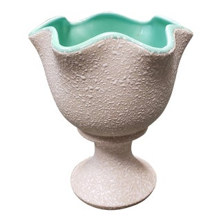 Mid Century Usa Pottery White/Turquoise Confetti Glaze Ruffled Edge Footed Planter For Sale