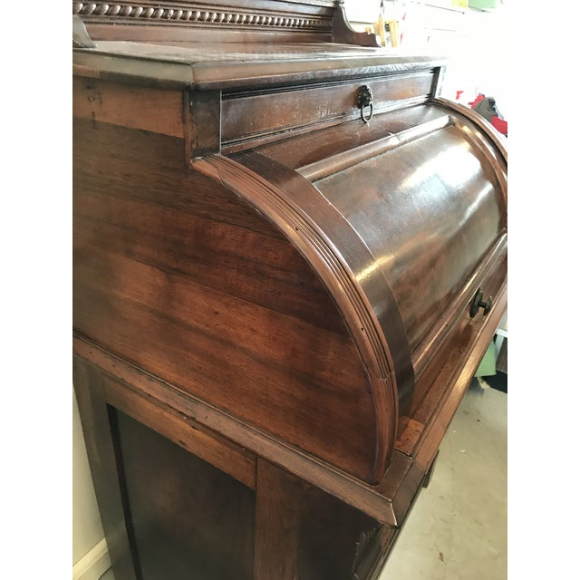 19th Century American Classical Cylinder Rolltop Secretary Desk For Sale In West Palm - Image 6 of 13