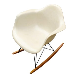 Mid-Century Modern Original Herman Miler Eames Era Shell Rocking Chair