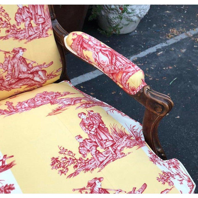 Brunschwig & Fils Antique Louis XV Style Carved Walnut Sofa Settee W/ Brunschwig & Fils Toile For Sale - Image 4 of 11