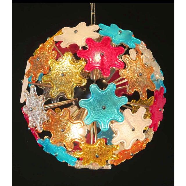 Murano Murano Multicolored Floral Sputnik Chandelier, 1970 For Sale - Image 4 of 4