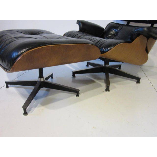 Eames 670 Lounge Chair and Ottoman by Herman Miller For Sale In Cincinnati - Image 6 of 10