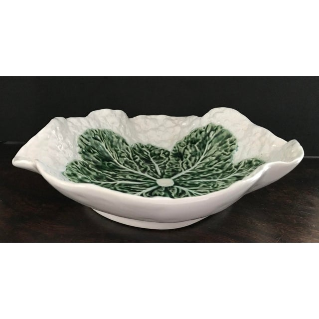 This is a nice vintage Bordallo Pinheiro bowl. Many different uses and would be a great addition to any Bordallo Pinheiro...