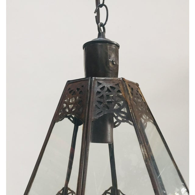 1990s Moroccan Light Fixture in Moorish Design Clear Glass and Metal Filigree For Sale - Image 5 of 12