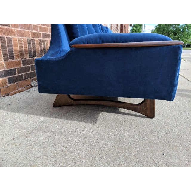 Fabric Vintage Mid-Century Sofa For Sale - Image 7 of 10