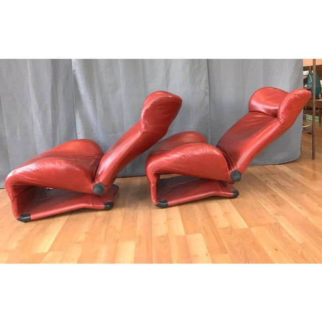 Pair of Toshiyuki Kita for Cassina Wink Convertible Leather Lounge Chairs For Sale In San Francisco - Image 6 of 13