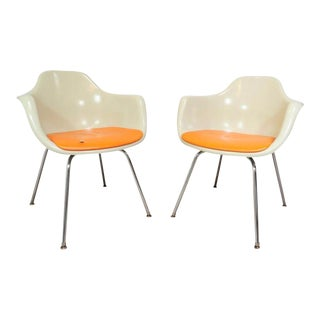 Vintage Pair of Krueger Arm Chairs Mid Century Modern Fiberglass Shell Dining For Sale