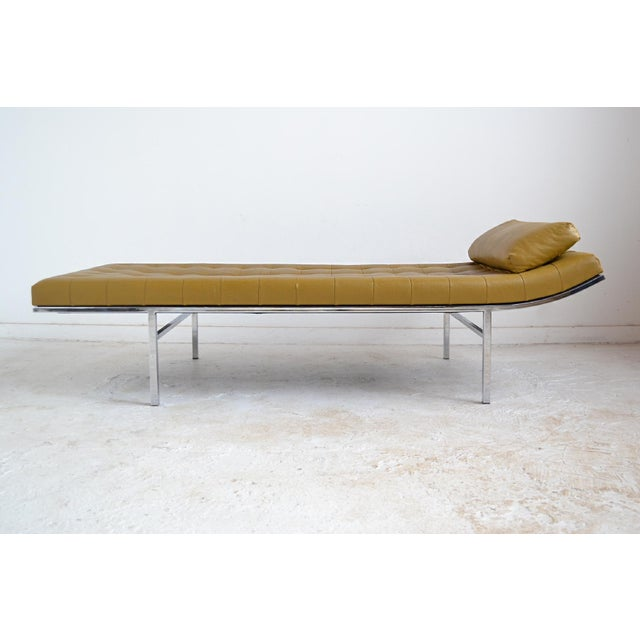 1970s Jules Heumann Chaise by Metropolitan For Sale - Image 5 of 11