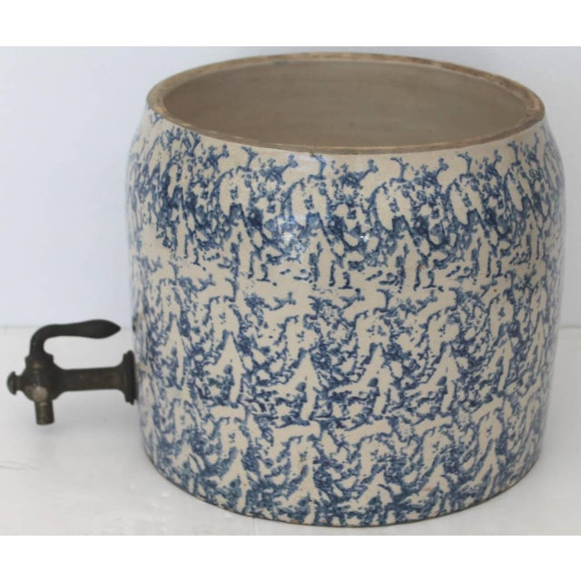 19th Century Two-Piece Sponge Ware Water Cooler For Sale In Los Angeles - Image 6 of 9