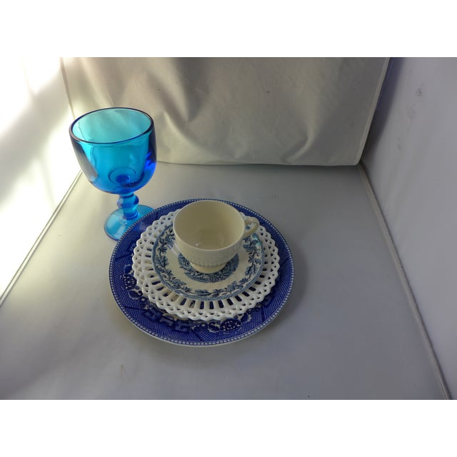 Set of five mismatched blue and white china and glass ware design for you and your guest. Blue willow antique lunch plate...