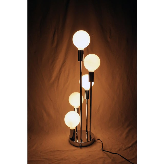 White Spiral Five Globe Table Lamp For Sale - Image 8 of 9