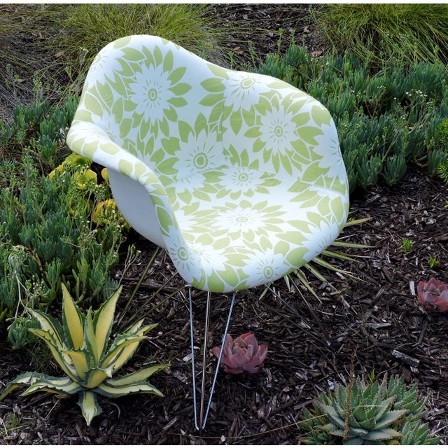 Charles and Ray Eames Mid-Century Modern Eames Reproduction Green and White Flower Power Fabric Side Chair For Sale - Image 4 of 10