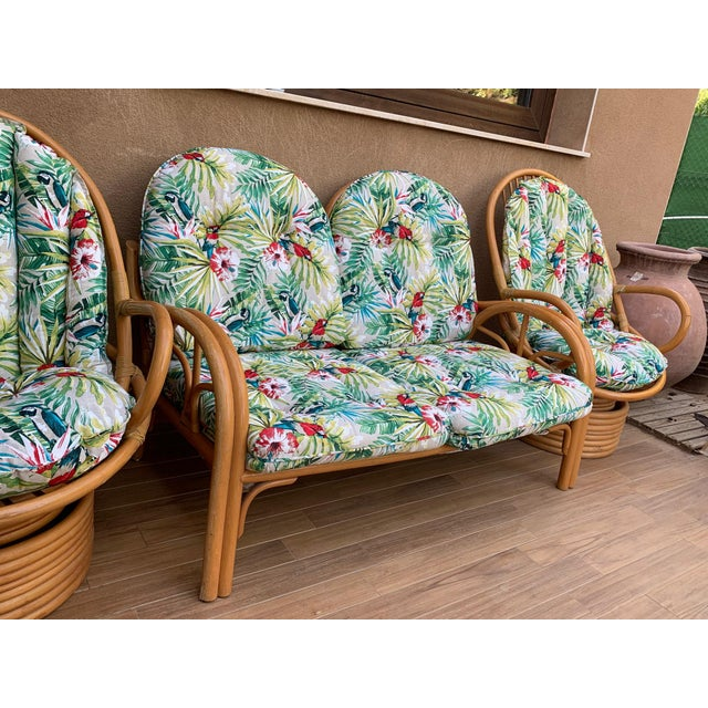 Italian Mid-Century Modern Bamboo Pair of Lounge Rotative Armchairs With Cushion For Sale In Miami - Image 6 of 9