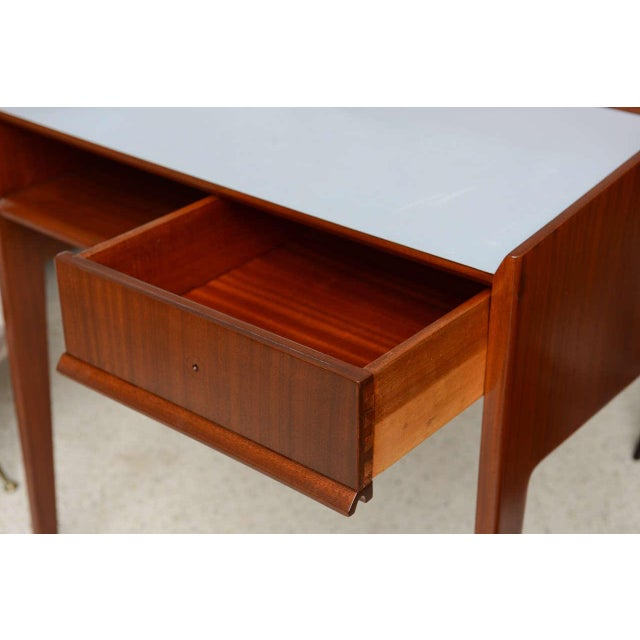 Rare Pair of Mahogany and Formica Side Tables in Style of Gio Ponti, Italy 1950s For Sale In Miami - Image 6 of 11