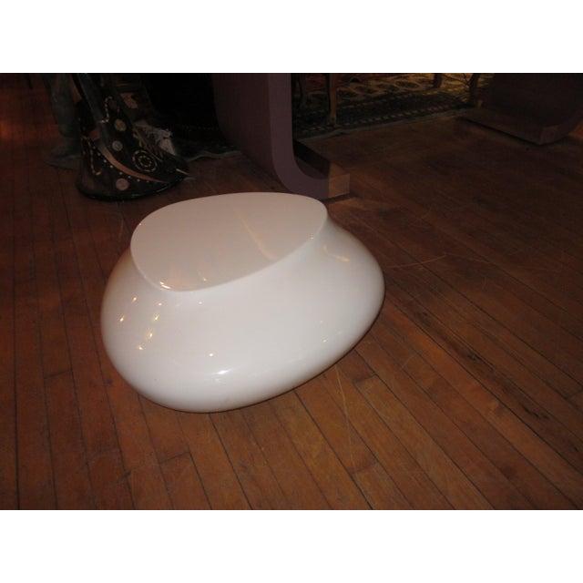 Abstract Contemporary White Fiberglass Cedric Ragot for Roche Bobois Cute Cut Xxs Cocktail Table For Sale - Image 3 of 7