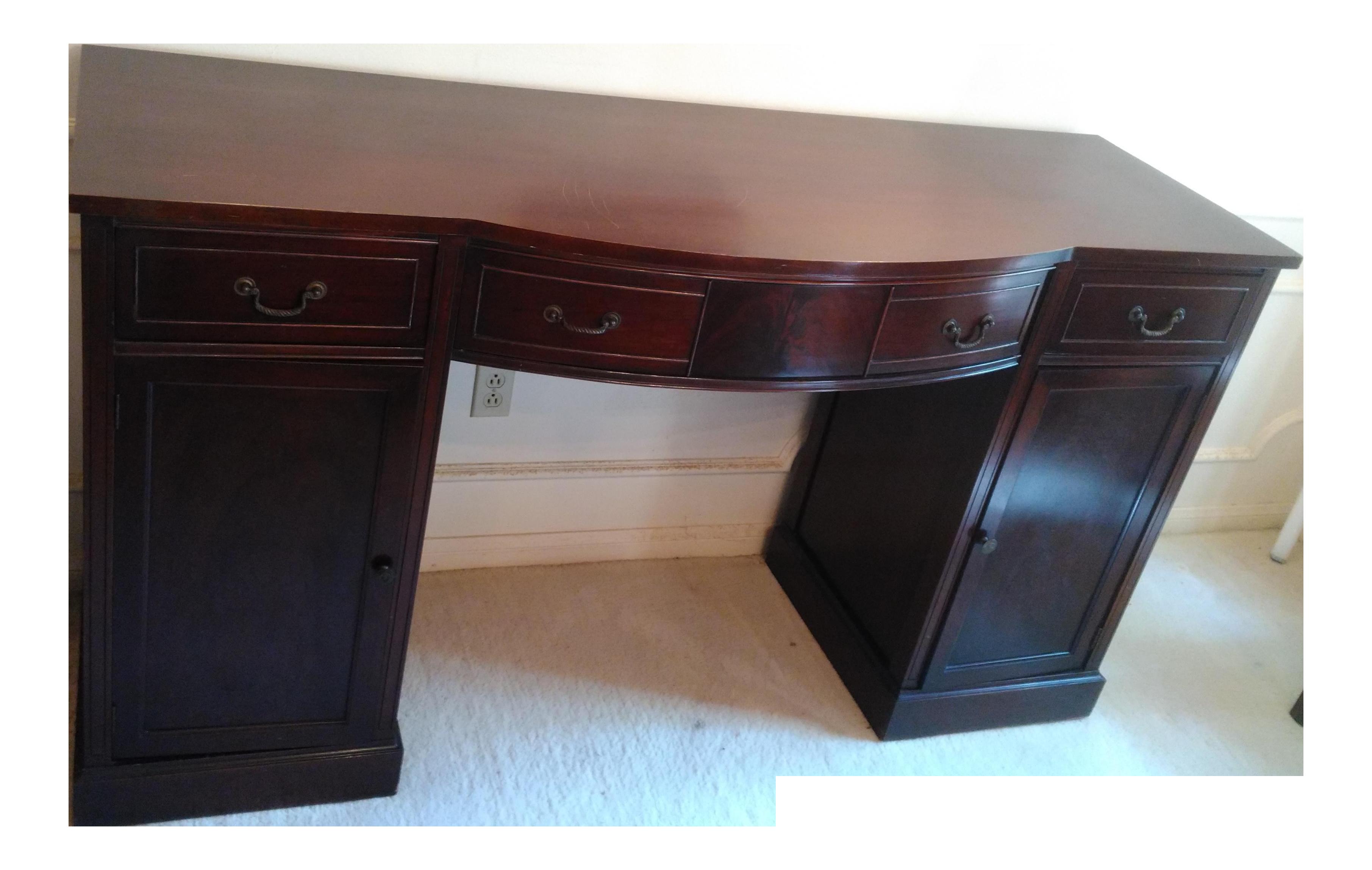 Huntley Furniture Buffet / Sideboard