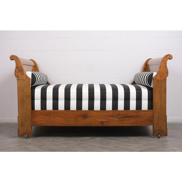 Brown Early 19th Century French Empire-Style Burled Daybed For Sale - Image 8 of 12