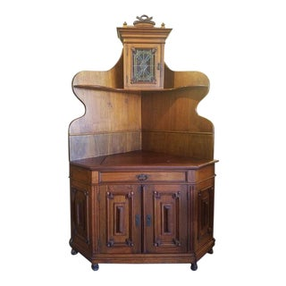 American Victorian Walnut Corner Cabinet C.1880s For Sale
