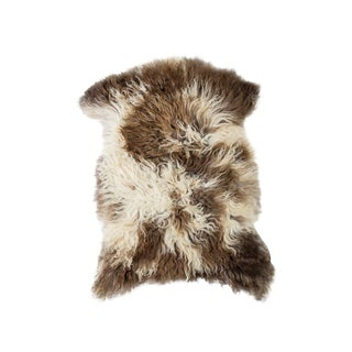 "Contemporary Handmade Wool Sheepskin Pelt Rug - 2'0""x2'9"" For Sale"