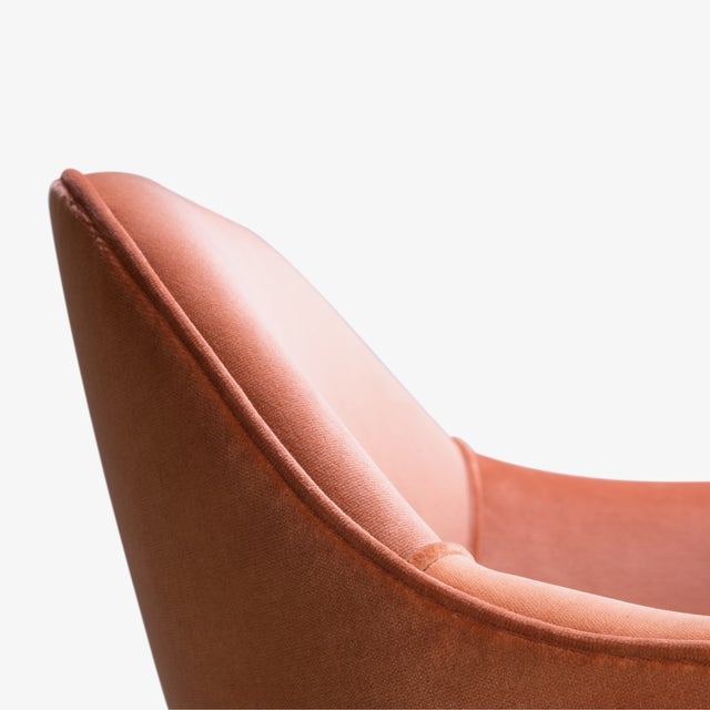 Saarinen Executive Arm Chairs in Rust Velvet, 24k Gold Edition For Sale In New York - Image 6 of 8