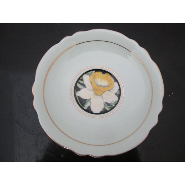 Mid 20th Century Paragon Yellow Daffodil Black Interior Pedestal Cup & Mint Saucer Gilt Trim Set For Sale In Portland, OR - Image 6 of 9