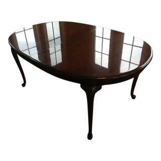 Thomasville Queen Anne Style Dining Table For Sale