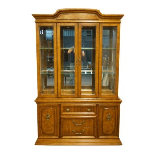 "1980s Italian Bernhardt Furniture Neoclassical Tuscan Style 53"" Illuminated Display China Cabinet For Sale"