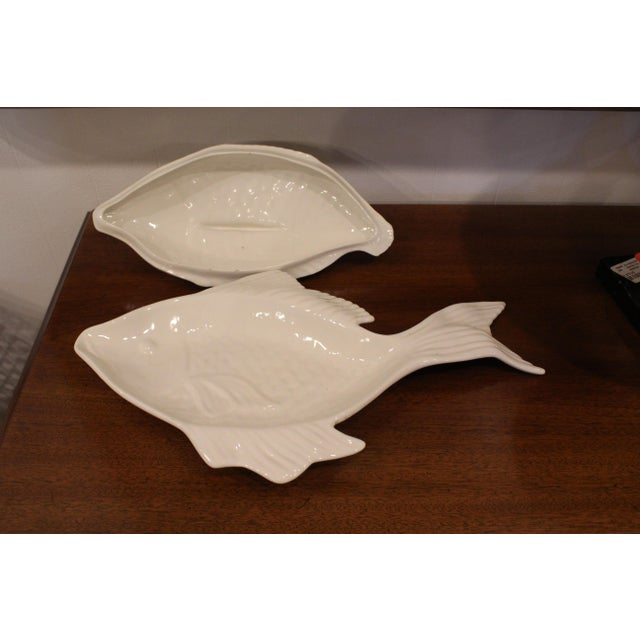 1960s 1960s Covered Pottery Glazed White Fish Platter For Sale - Image 5 of 8