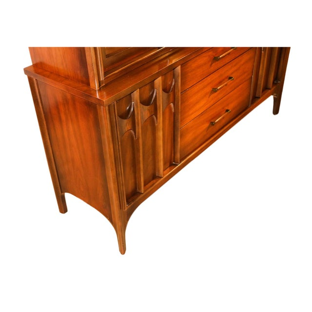 Kent Coffey Perspecta Mid-Century Modern China Hutch Cabinet For Sale - Image 5 of 9