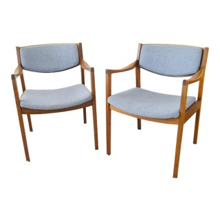 Vintage Gunlocke Mid-Century Modern Arm Chairs - a Pair For Sale