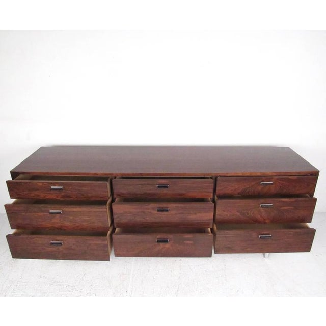 Mid-Century Modern Founders Rosewood Nine-Drawer Dresser For Sale - Image 3 of 11