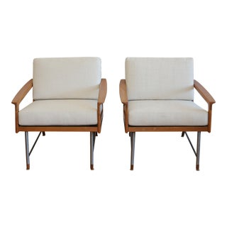 Fin Juhl Style Pair of Lounge Chairs For Sale