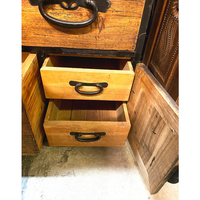 Mid 19th Century Mid 19th Century Japanese Meiji Period Kiri Wood Tansu Clothing Cabinet For Sale - Image 5 of 13