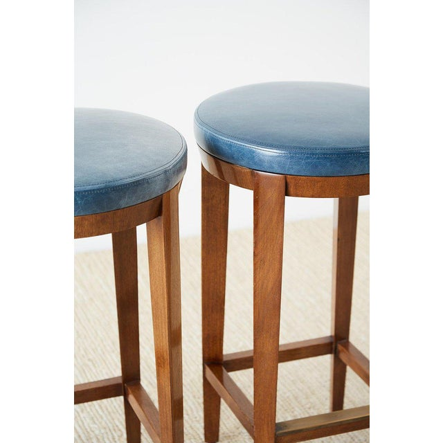 Modern Pair of Dessin Fournir Leather Mahogany Bar Stools For Sale - Image 3 of 13