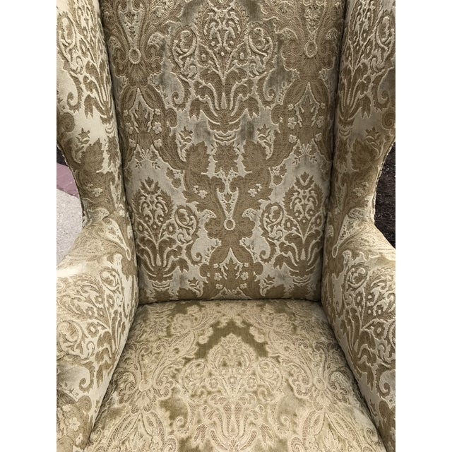 Wood Early 20th Century Chippendale Style American Eagle Carved Leg Claw & Ball Foot Wingback Chair For Sale - Image 7 of 9