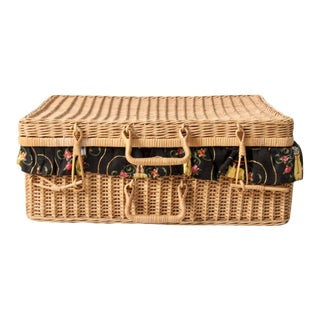 Mid-Century Wicker Picnic Basket For Sale