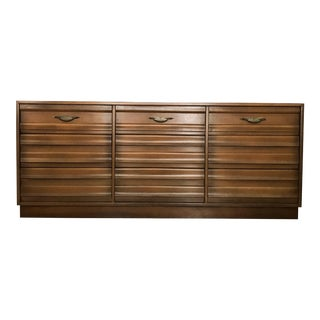 Mid Century Modern American of Martinsville Walnut Dresser For Sale