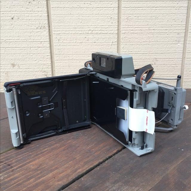 Vintage 70s Polaroid 225 Land Camera For Sale - Image 4 of 5
