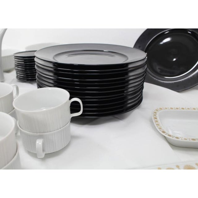 White Tapio Wirkkala for Rosenthal Dinner Coffee 80 Pieces Set Plates Noire Porcelain For Sale - Image 8 of 10
