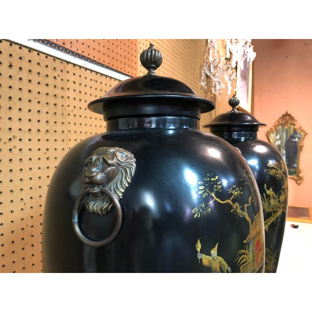 Late 20th Century Vintage Chinoiserie Painted Lidded Urns - a Pair For Sale - Image 5 of 10