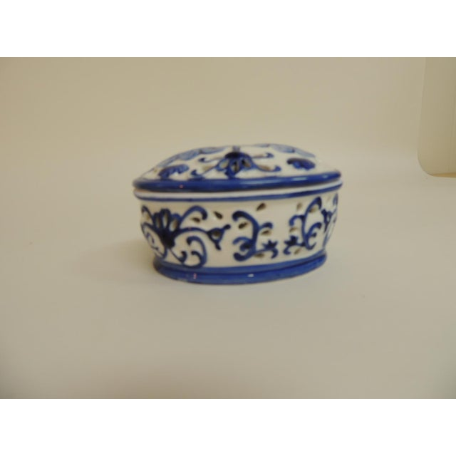 Blue & White Oval Trinket Box With Lid - Image 3 of 5