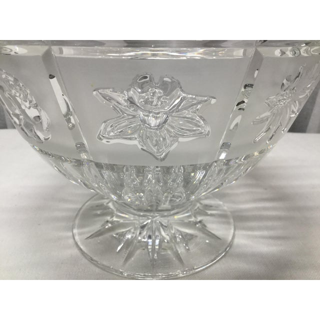 Late 20th Century Late 20th Century Daisies, Roses & Dafodiles Lead Crystal Pedestal Bowl For Sale - Image 5 of 7